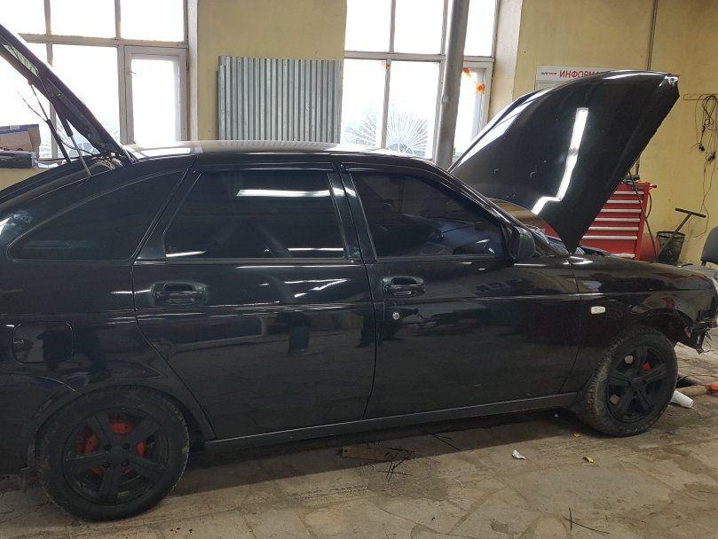 ВАЗ Lada Priora хэтчбек, 4-цилиндровый, объем 1.6 л (98 л.с.)