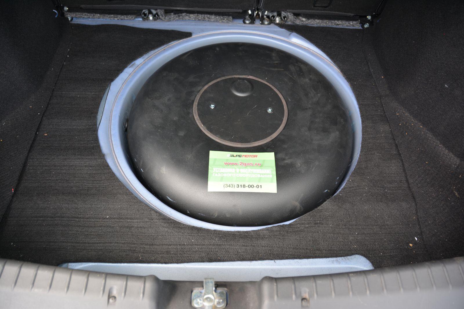 Установлен баллон 42 литра тор вместо запасного колеса